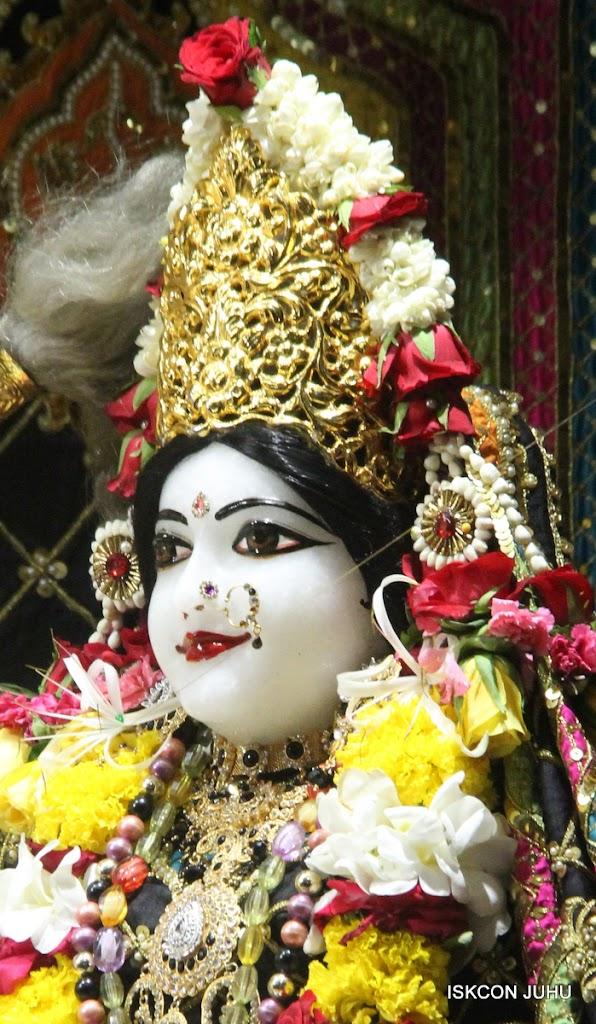 ISKCON Juhu Sringar Deity Darshan on 28th May 2016 (18)