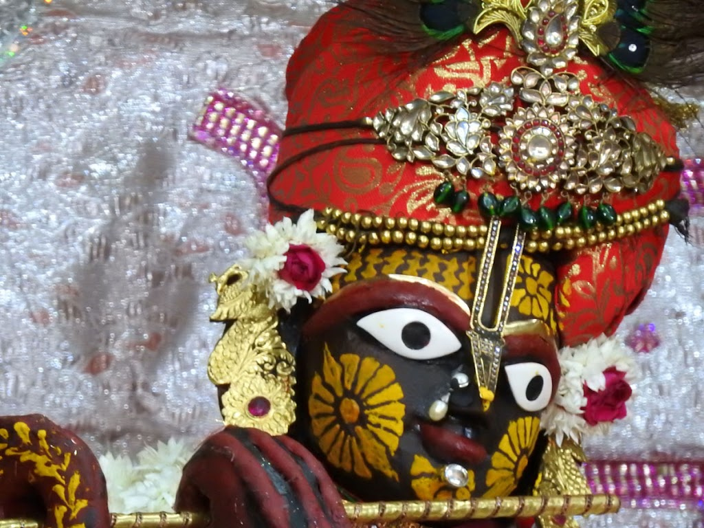 Radha Govind Devji Deity Darshan 04 Jan 2017 (9)