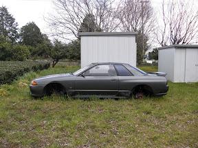 Abandoned Nissan Skyline R32