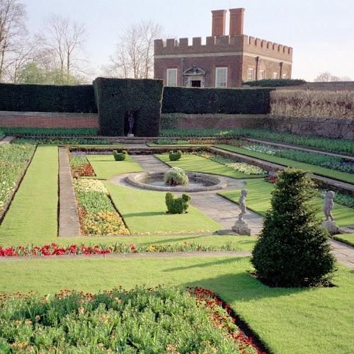 Hampton_Court_04.jpg