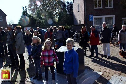 burgemeester plant lindeboom in overloon 27-10-2012 (14).JPG