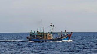 KKP Tangkap Kapal Illegal Fishing Asal Malaysia di Selat Malaka