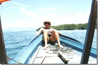 de-barco-entre-bananal-e-lagoa-azul