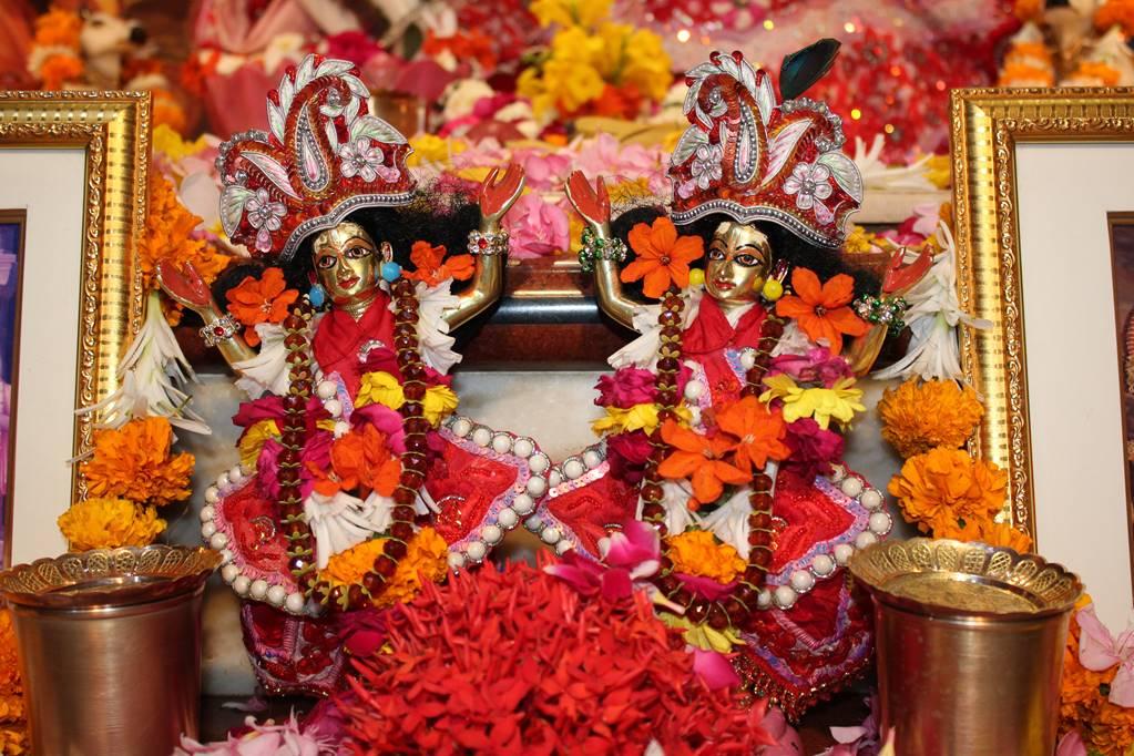 ISKCON Vallabh Vidhyanagar Sringar Deity Darshan 05 Mar 2016 (5)