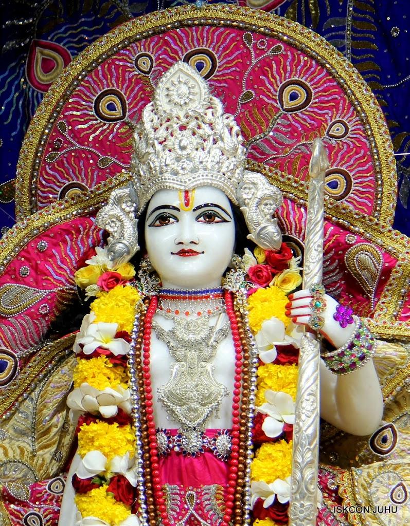 ISKCON Juhu Sringar Deity Darshan on 27th April 2016 (27)