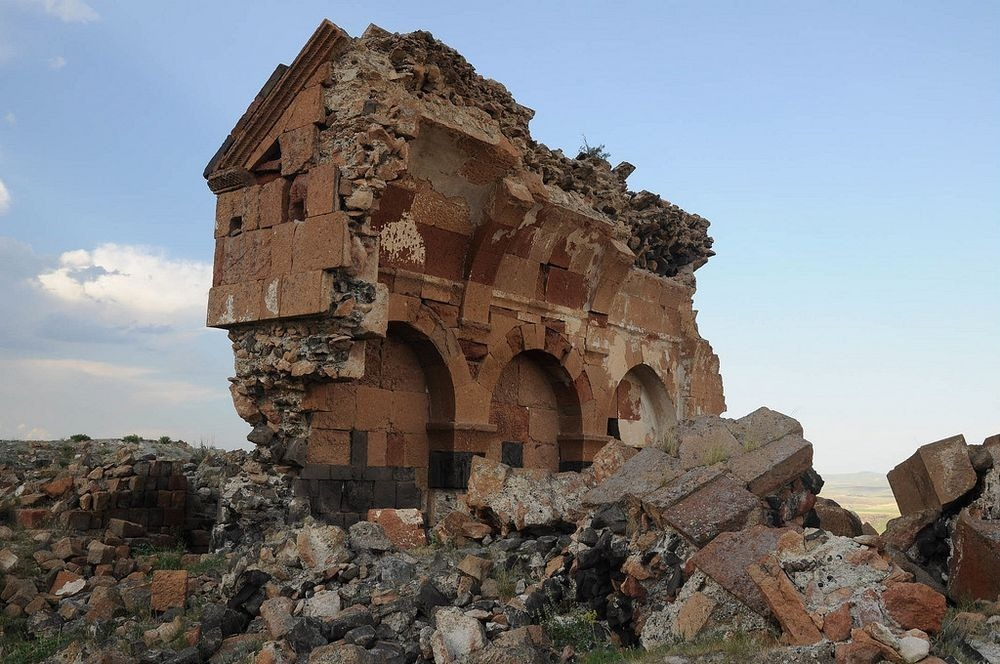 ani-ruined-churches-14