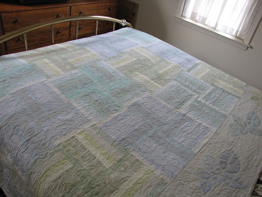 I love this new quilt. The colors remind me Bermuda.