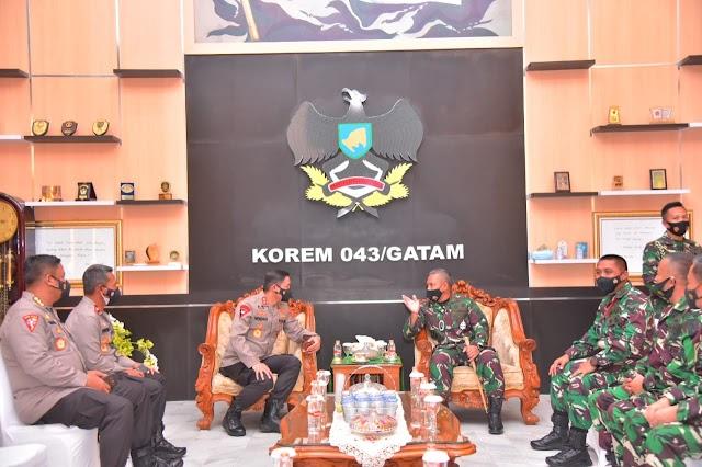 Kapolda Lampung Kungker ke Korem 043 Gatam Lampung