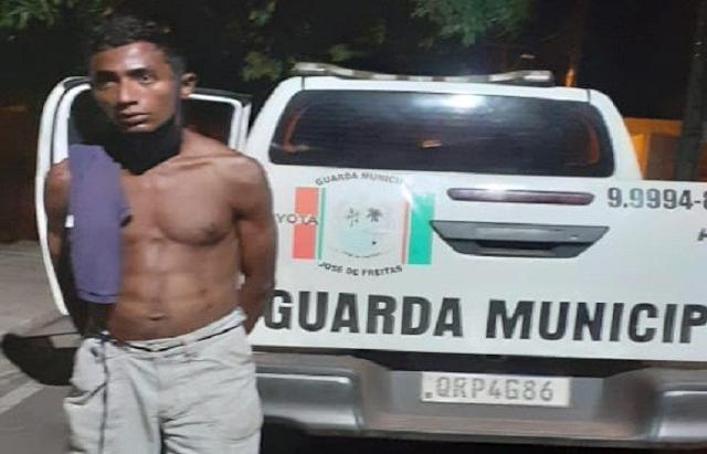 Teresinense acusado de trafico de drogas é preso pela guarda municipal de José de Freitas