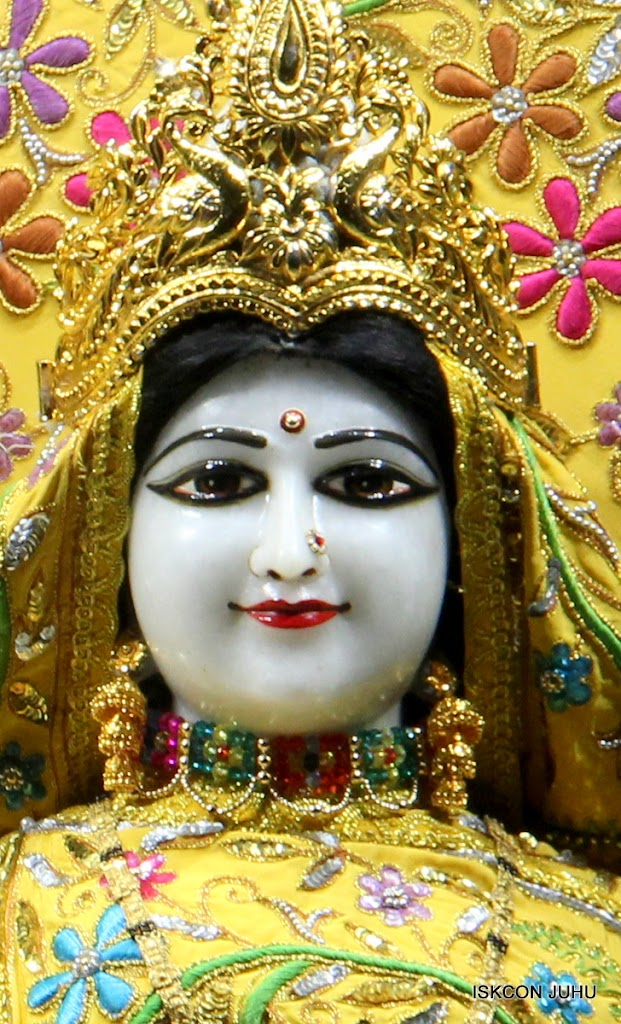 ISKCON Juhu Mangal Deity Darshan on 27 April 2016 (24)