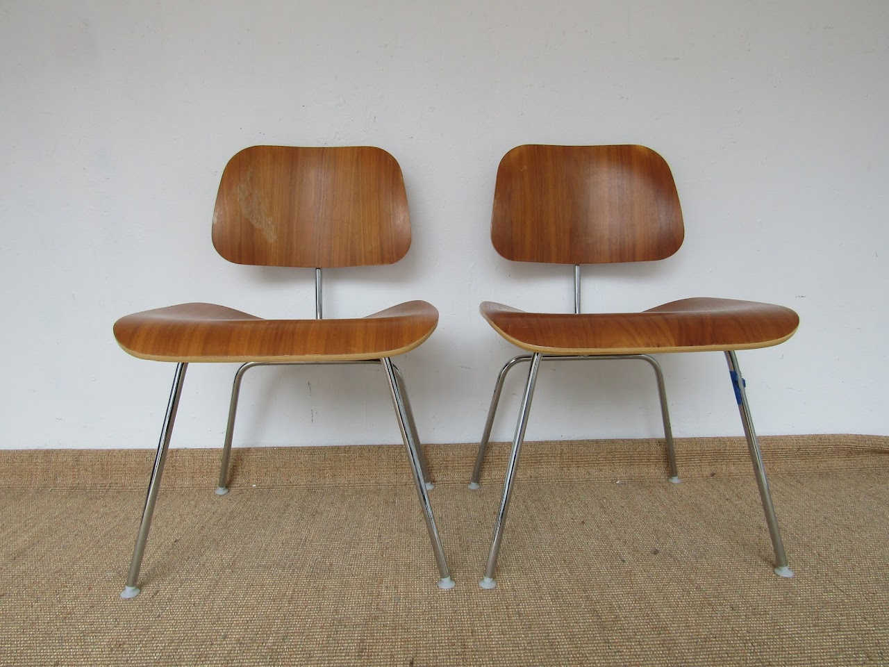 Eames Molded Plywood Chair Pair (1)
