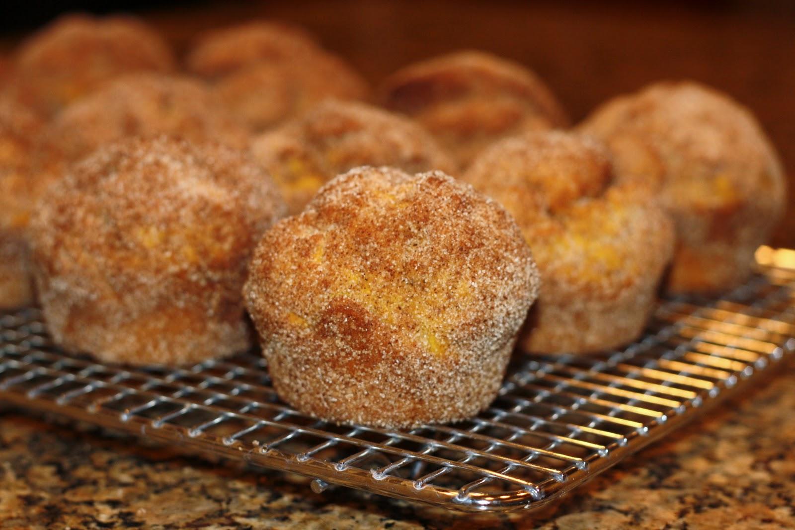 sunday sweets: pumpkin doughnut muffins