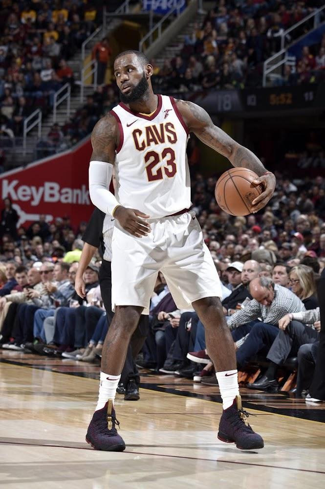 James New York: LeBron James Shoes » LeBron Ties Jordan For