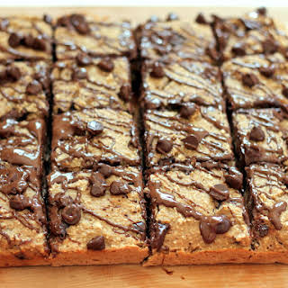 Healthy Banana Bread Chocolate Chip Oat Breakfast Bars {vegan & gluten free}.