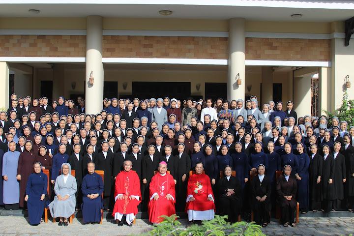 Khai giảng lớp thần học liên tu sĩ khóa XVIII năm 2016 tại Tòa Giám Mục Nha Trang