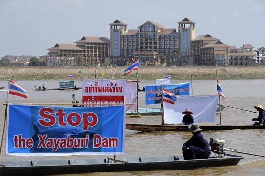 CH 19_ Dân Lào phản đối xây đập Xayaburi