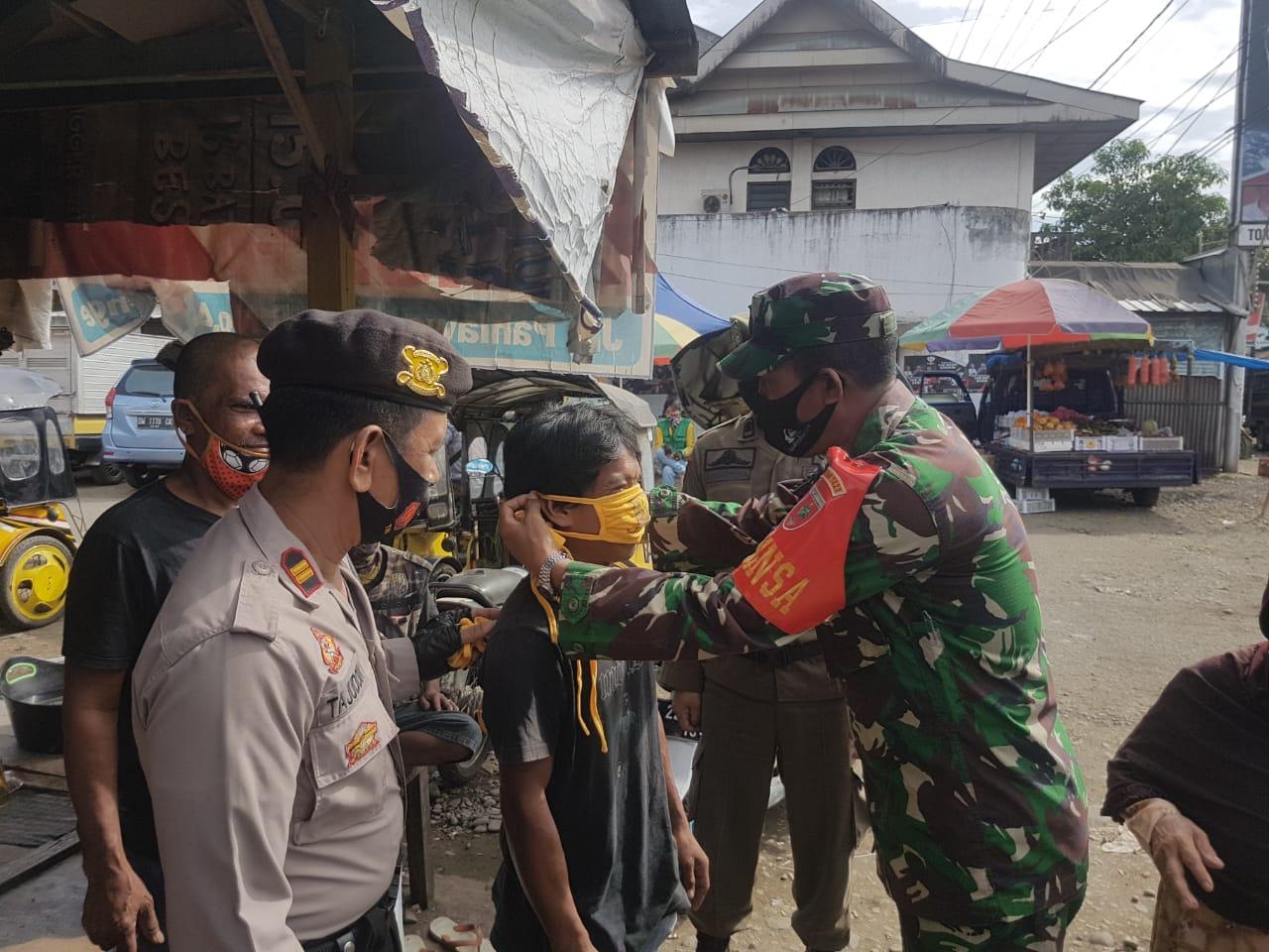 Polres, TNI, dan Gabungan Pemkab Soppeng Gelar Sosialisasi Protapkes