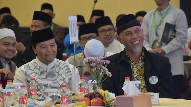 Wako Mahyeldi dan Hidayat Nur Wahid, politisi senior PKS.