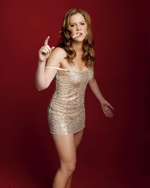 Amy Schumer comedian smoking ciegrate style
