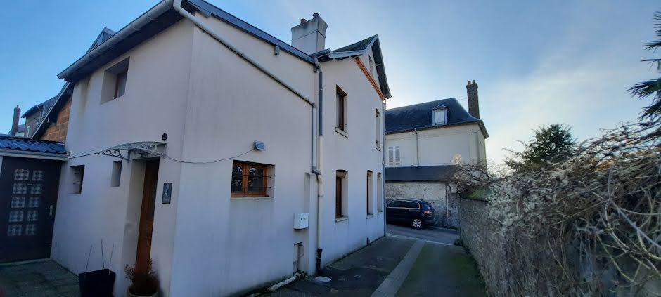 Vente maison 5 pièces 80 m² à Quillebeuf-sur-Seine (27680), 108 000 €