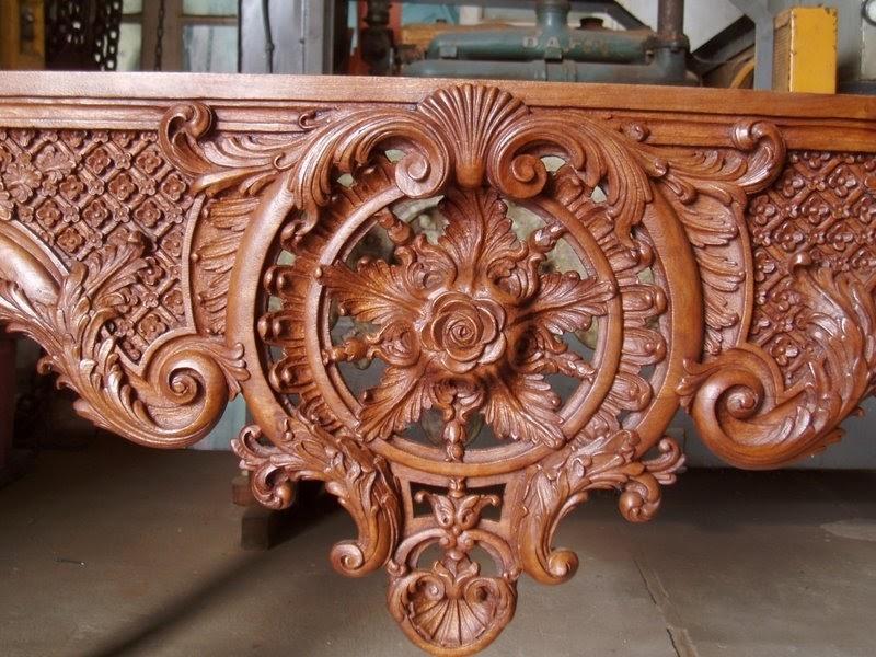 Arte en madera mesa super tallada sin el marmol for Muebles tallados en madera