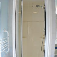 Room J-shower