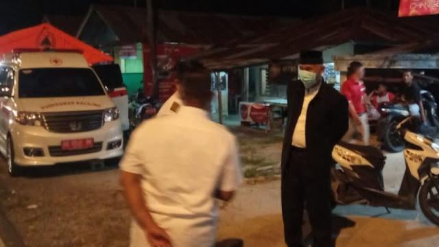 Foto: Wako Padang Mahydi Ansharullah Terlihat Memantau Posko Covid-19 untuk Memastikan Warganya Tak Terserang Virus Mematikan Tersebut.