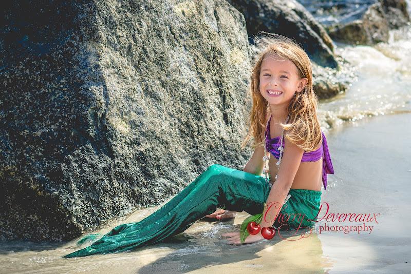 http://cherrydevereauxphotography.blogspot.com/2016/01/adorable-little-mermaid-on-tybee.html