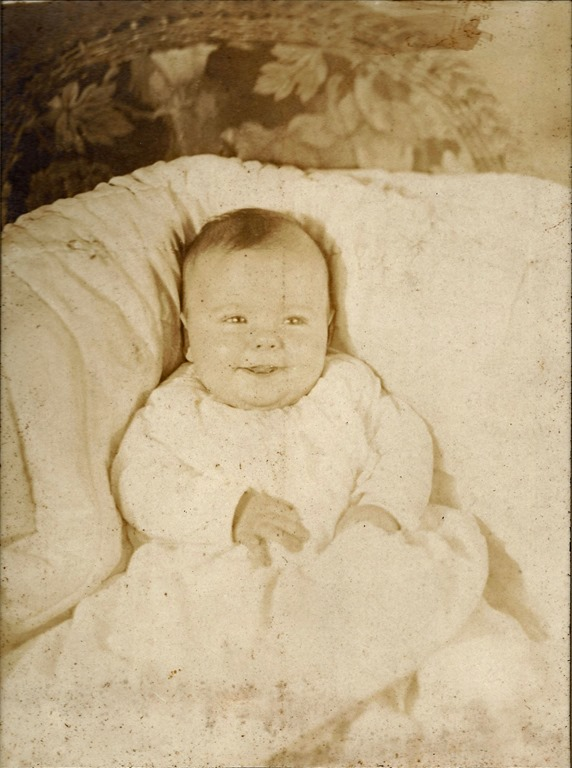MILNE_Patricia or not  Baby photo without frame_enh