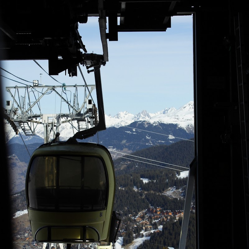 Meribel_57 Tougnete Gondola Mid Station.jpg