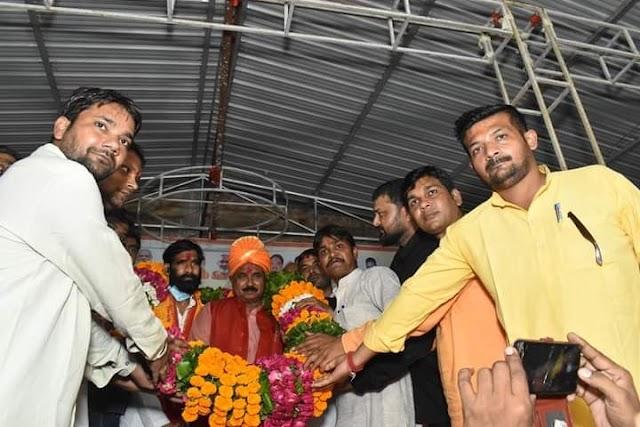 केंद्रीय मंत्री बनने के बाद पहली बार गुरसरांय पहुंचे सांसद भानु वर्मा, भाजपाइयों ने किया स्वागत
