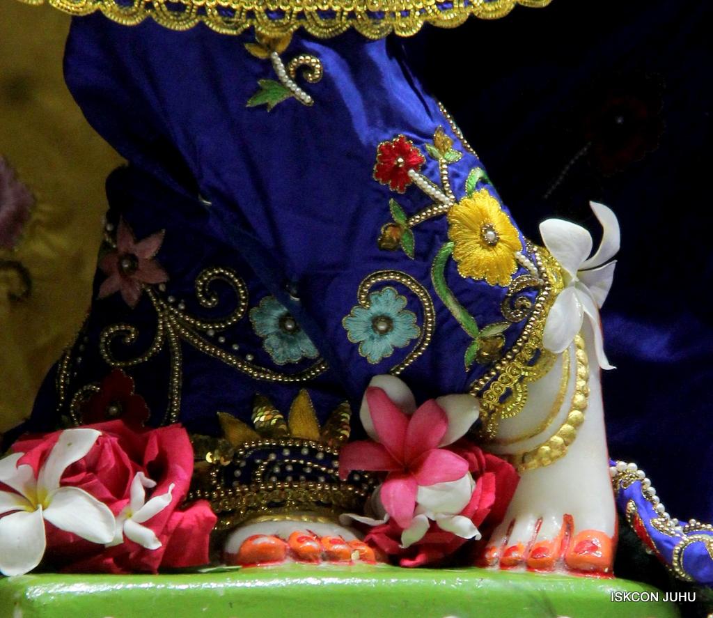 ISKCON Juhu Mangal Deity Darshan on 17th Jan 2017 (26)