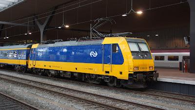 Rotterdam Centraal NS locomotief 186 039