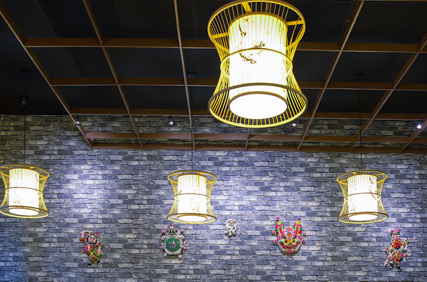 photo of the light fixtures