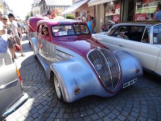 2016.07.17-025 Peugeot 402 1938 hot-rod et sa caravane