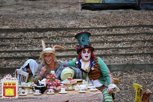 Alice in Wonderland, door Het Overloons Toneel 02-06-2012 (46).JPG