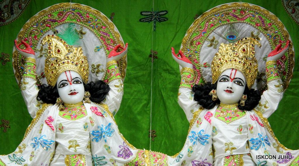 ISKCON Juhu Mangal Deity Darshan on 1st Jan 2016 (5)