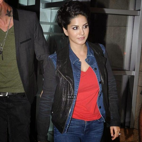 Sunny Leone snapped at a suburban hotel in Mumbai, on July 16, 2014.(Pic: Viral Bhayani)