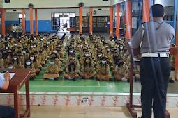 Disiplin Lalu Lintas dan Prokes Kembali Disampaikan Dalam Program Police Goes To School
