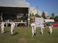 27 A karatecsapat bemutatkozása.JPG