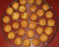 Petites bouchées bananes-coco aux blancs d'oeufs - recette indexée dans les Desserts