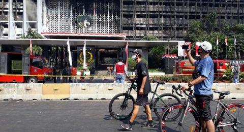 Hangus Terbakar, Gedung Kejagung Berubah Jadi Objek Foto dan Selfie