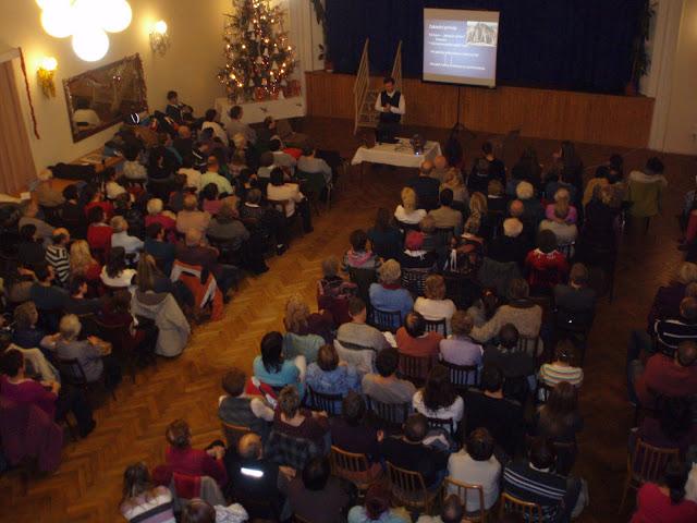 4.1.2012 -přednáška otce Engelmana o výchově dětí - P1040982.JPG