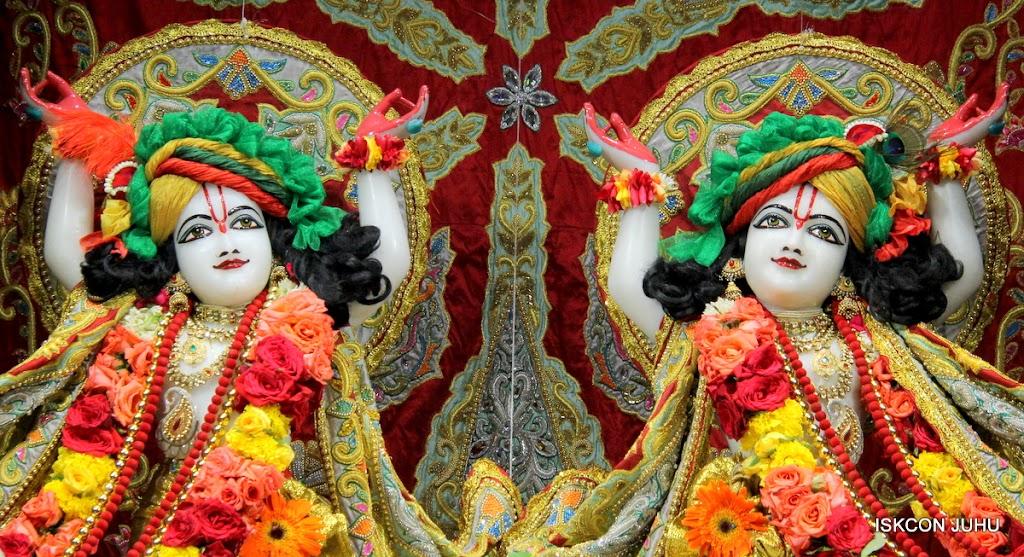ISKCON Juhu Sringar Deity Darshan on 23rd Aug 2016 (53)