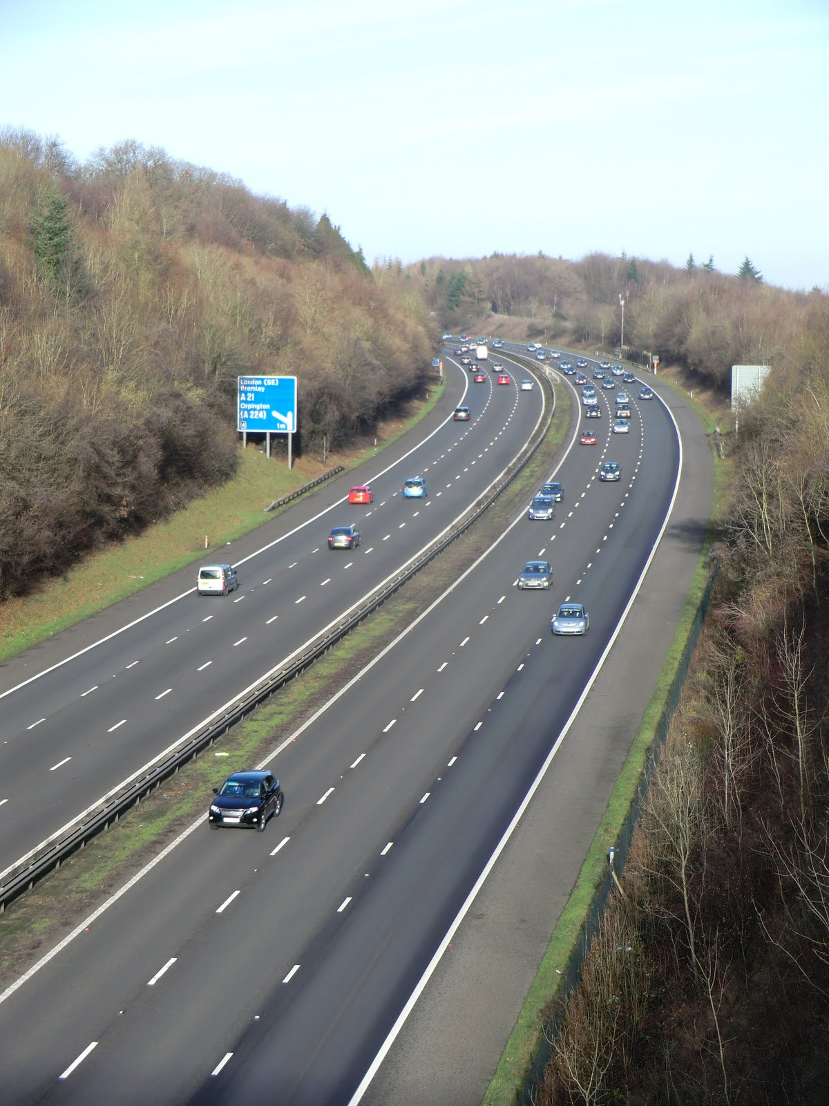 CIMG7959 The M25 from Pilots Wood