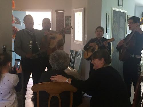 Serenade by Mariachi Los Conquistadores
