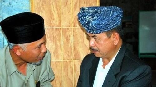 Foto Fauzi Bahar (kanan) dan Buya Mahyeldi (kiri). Fauzi Bahar dan Tokoh Sumbar Didukung 300 Advokat Siap Gugat SKB Tiga Menteri.