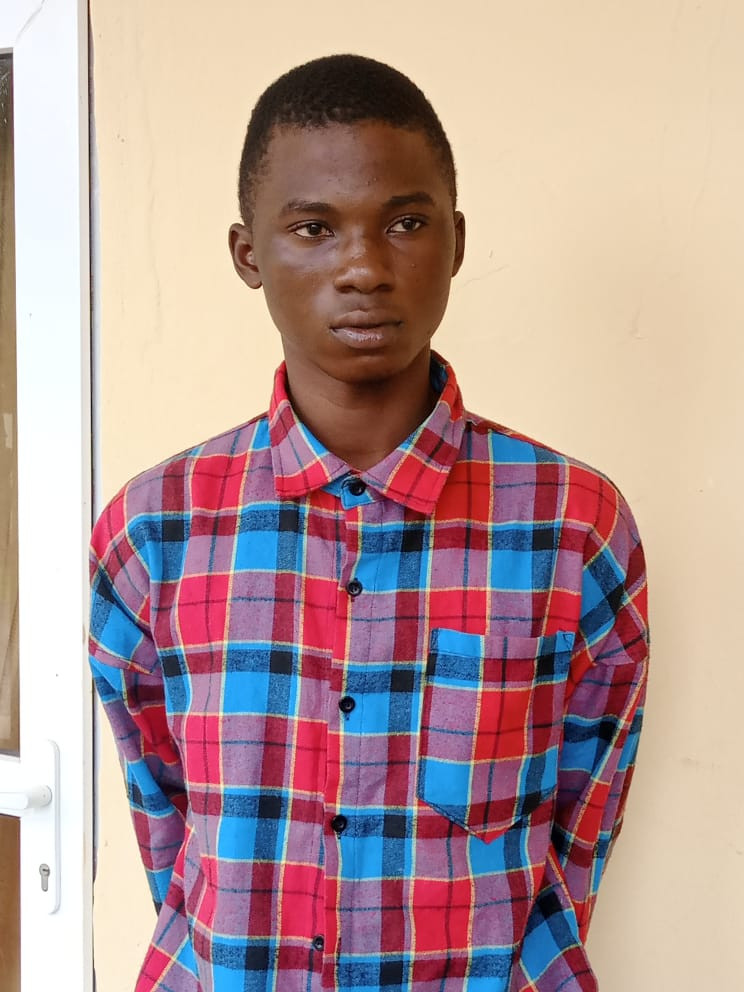 18-year-old boy arrested for allegedly stabbing 28-year-old ''Street Girl'' to death in Ogun