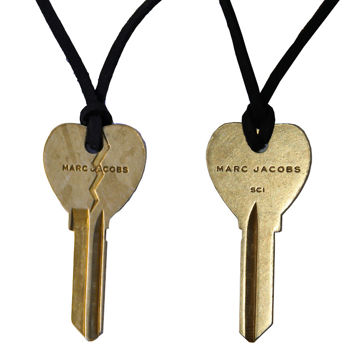EHPFA-00075 Marc by Marc Jacobs Key Charm Cracked Heart Pendant