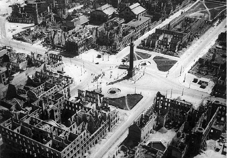 Luisenplatz_Darmstadt_1944